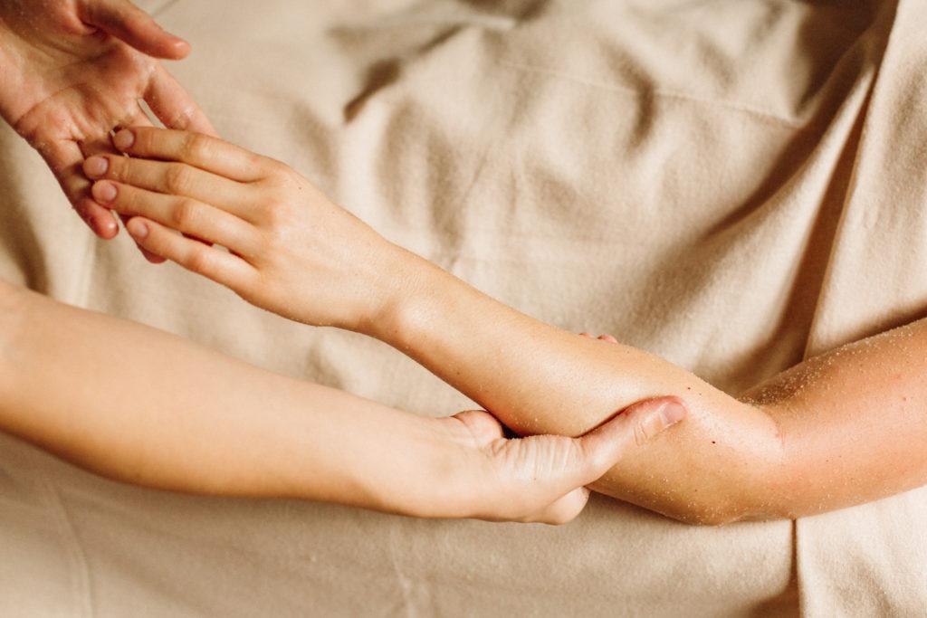 masaż relaksacyjny, peeling, naturalne oleje, masaż kraków