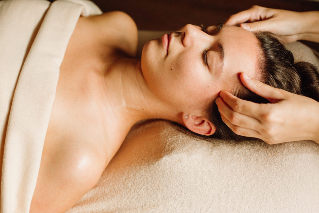 masaż relaksacyjny, naturalne oleje, masaż kraków